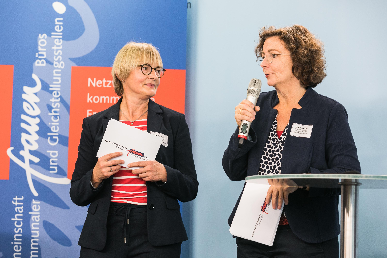 Bundessprecherinnen Christina Runge und Susanne Löb moderierten die Veranstaltung