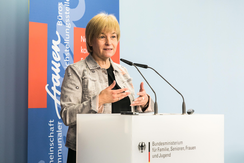 Grußwort von Caren Marks Parlamentarische Staatssekretärin BMFSJ