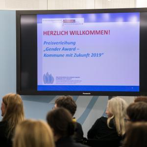 032 Gender Award 2019