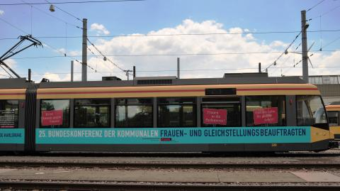 Verfassungsauftrag Gleichstellung-Straßenbahn2