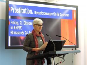 Dr. Birgit Schweikert, BMFSFJ