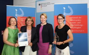 1. Platz Gender Award 2018 Region Hannover mit Bundesministerin Dr. Giffey